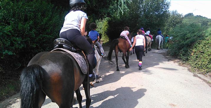 Campamento equitacion